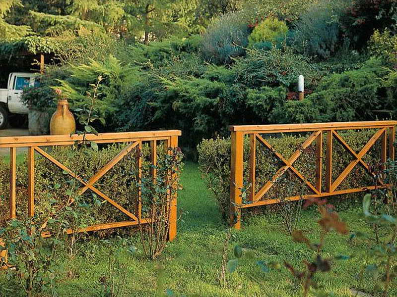wooden-garden-fence-ideas